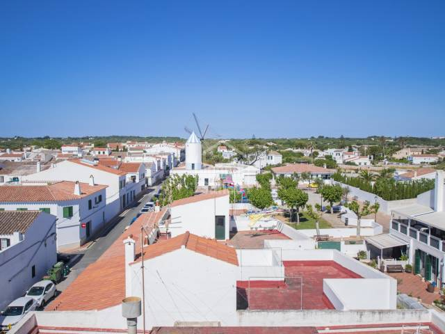 Wonderful light Airy Apartment in San Luis with panoramic views over the Village.