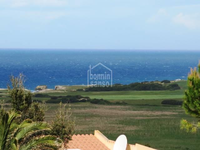 Attraktive Wohnung mit Meerblick in Torre Soli Nou, Menorca