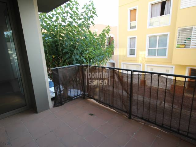 First floor apartment with large terrace in the centre of Ciutadella