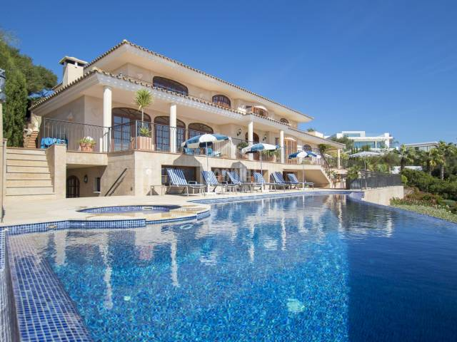 Luxury villa with dominating views over the harbour of Mahón, Menorca