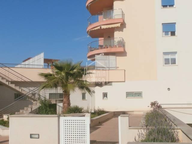 Amplio y soleado 4º piso a estrenar de aprox. 98m² y 73m² terraza en Porto Cristo