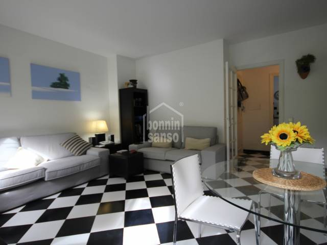 Fantastic Apartment on the Port of Mahon with Parking and a Pool.