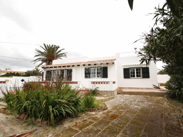 Villa with sea views in Calan Porter