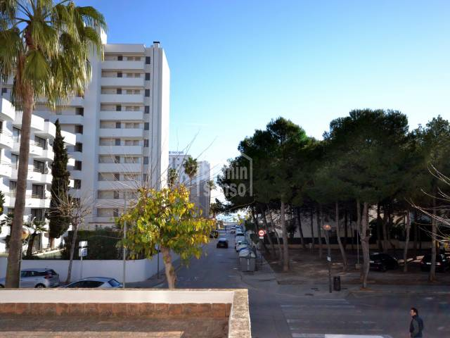 First floor apartment, centre of Cala Millor