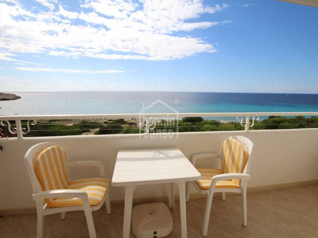 Spacious top floor apartment with sea view in Santo Tomas, Menorca