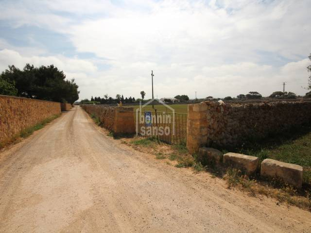 Extensive agriculture land of 32.800 close to the rural area of  S' Hort  d'En Vigo, Ciudadela, Menorca.