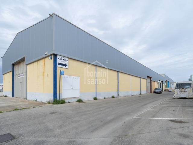 Warehouse with rental contract in place, San Luis Industrial Park, Menorca