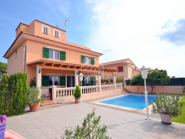 Casa unifamiliar con licenia turistica y piscina, Cala Millor, Mallorca