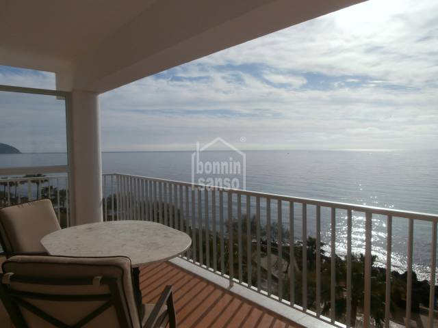 Front line sunny penthouse in Cala Millor, Mallorca