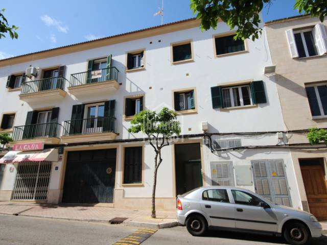 Comfortable second floor flat Mahon Menorca