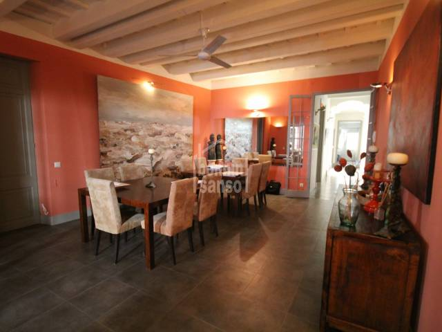 Espectacular piso de cuatro dormitorios en el centro de Mahón, Menorca.