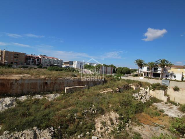 Large plot located next to the town beach of Ciutadella, Menorca