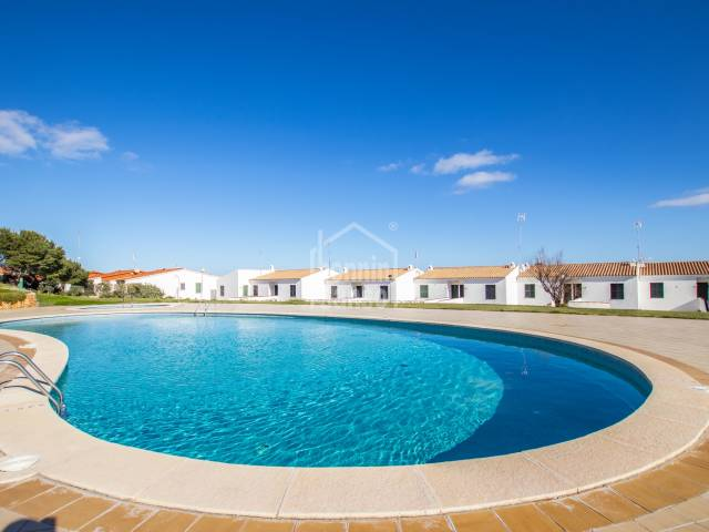 Interesting apartment with tourist licence on the north coast of Menorca.