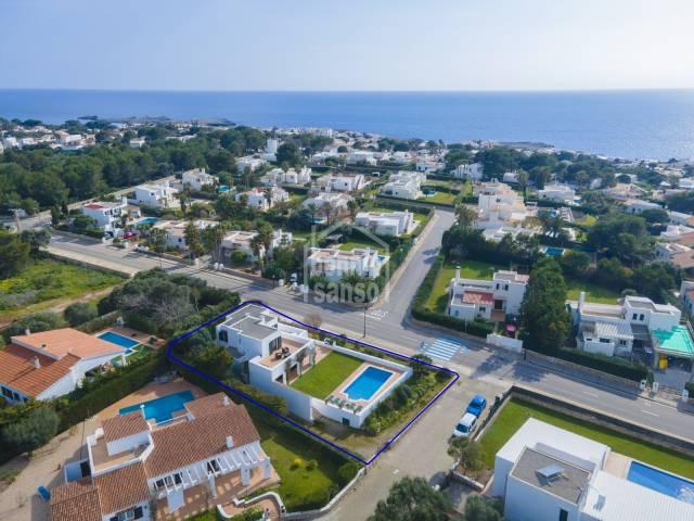Amplio chalet con piscina en Binibeca, Menorca.