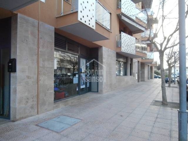 Spacious commercial premises in Mahon