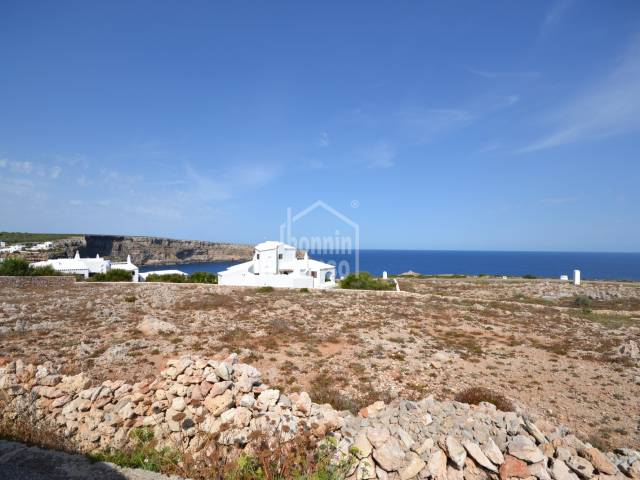Plot of 977m² with good sea views in Cala Morell
