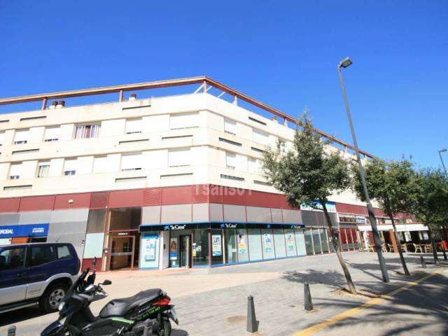 Commercial Premises in Mahon Malbuger
