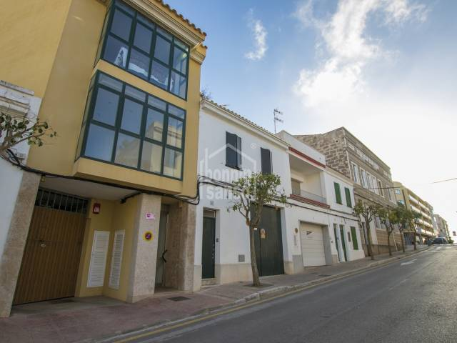 Attractive modern duplex close to the centre of Mahon, Menorca.