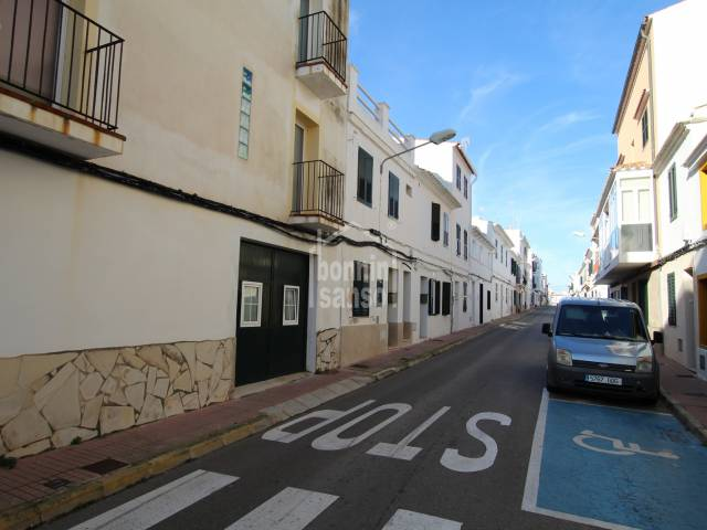 Flat on ground floor with interior patio, close to the center of Es Castell, Menorca