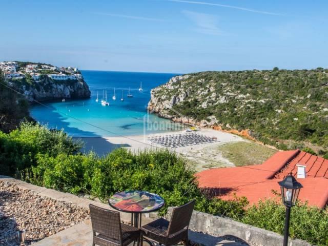 Coqueto hotel de 26 habitaciones en Calan Porter, Menorca