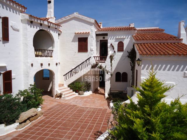 Front line, exclusive , ground floor apartment in Playas de Fornells, Menorca.