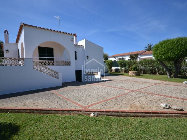 Private villa with tourist license in Calan Bosch