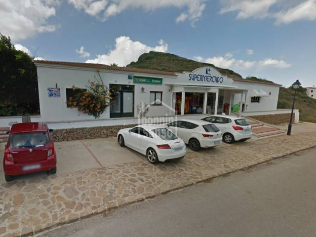 Commercial premises in Playas deFornells, Menorca.