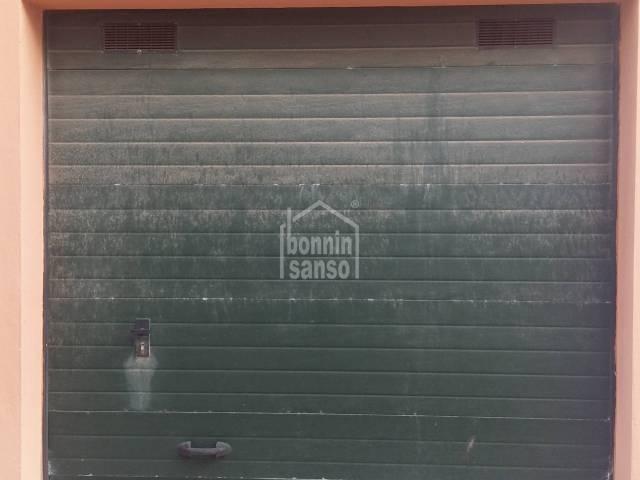 Garage/parking in Es Castell (Town)