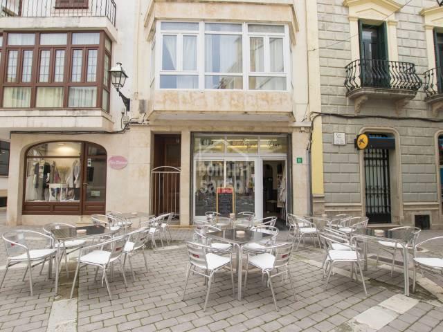 Bar en el centro de Alayor, Menorca