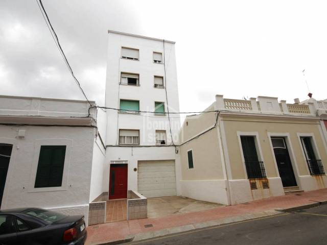 Large 4 bedroom flat in Mahon, Menorca
