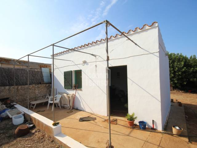 Orchard of 1800m² with a small outbuilding of 30m² in Es Consey, Menorca