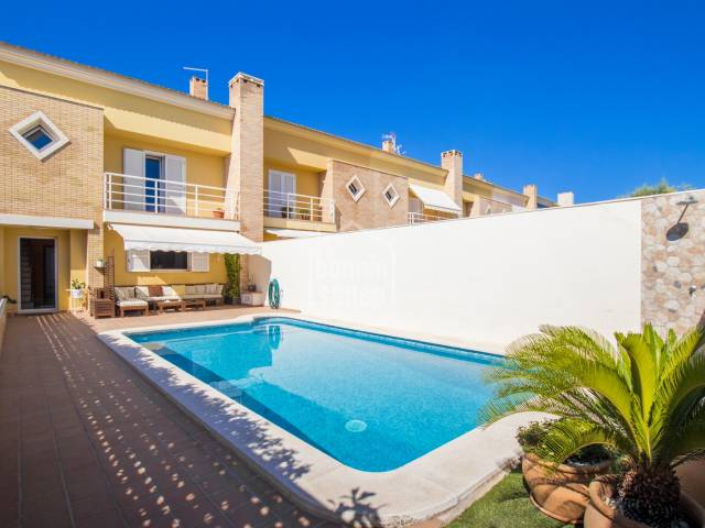 Townhouse with pool in the area of Dalt Sant Joan, Mahón, Menorca.