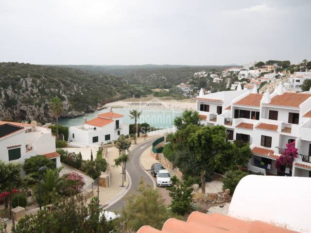 Apartment with great views of the beach and the sea in Calan Porter