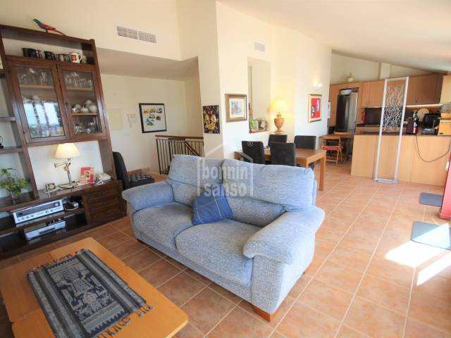 dining living room - Beautiful penthouse a few meters from the Plaza de los Pinos, Ciutadella, Menorca.