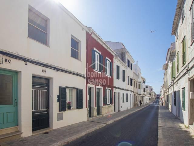 Preciosa casa en planta baja con patio en Mahón, Menorca