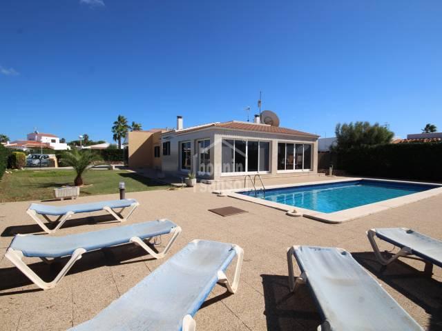 Chalet individual con piscina privada en Cap Artruix, Ciutadella, Menorca