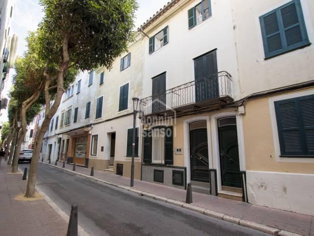 Planta baja reformada en zona centro de Mahón, Menorca
