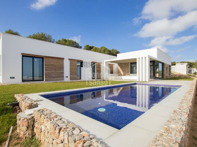 Villa en construccion, con vistas panoramicas a costa Norte. Coves Noves Menorca
