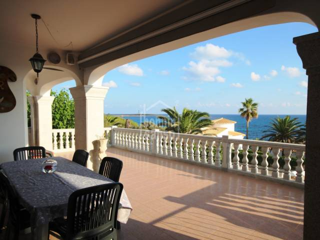 Large second line property with panoramic sea views