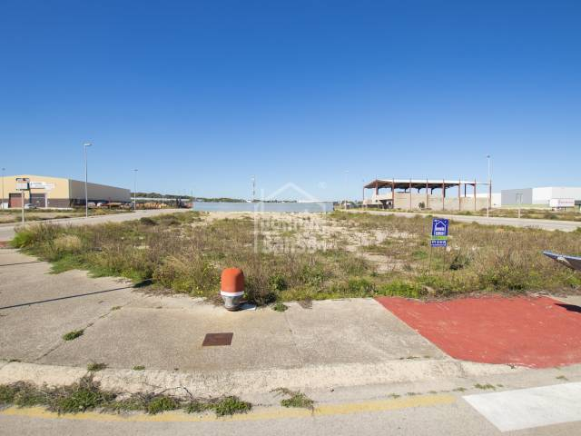 Building land in Phase IV of the Mahón Industrial Estate, Menorca.