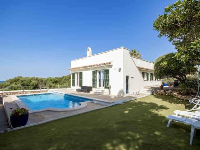 Tolle gepflegte Villa in Binisafua Playa, San Luis, Menorca.