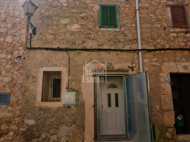 Bank property to renovate, situated close to centre of Son Servera village, Mallorca