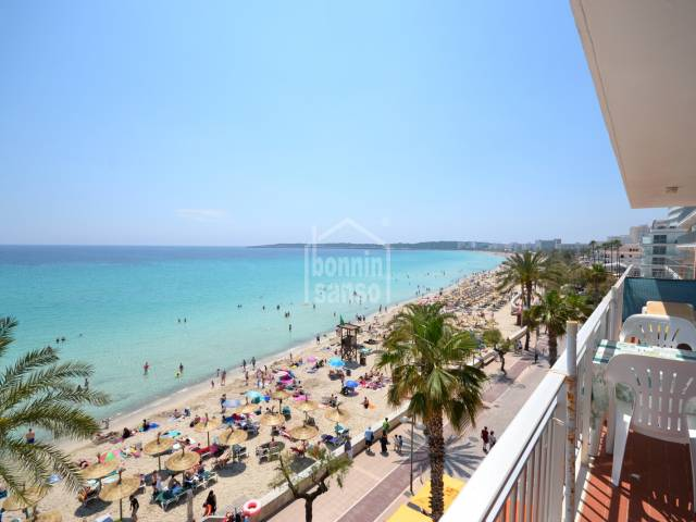 Apartment with panoramic views over the bay of Cala Millor.