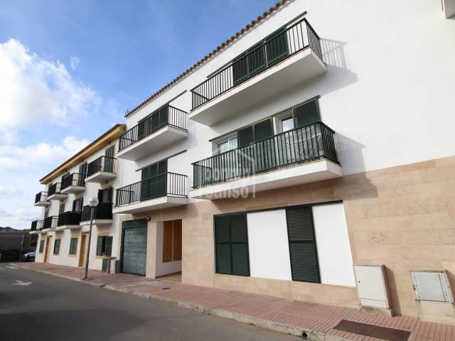 Second floor apartment/flat with lift in Mercadal, Menorca