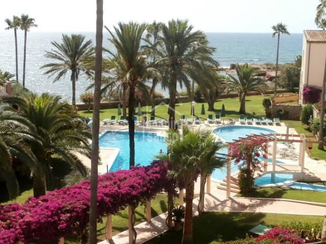 Precioso apartamento con vistas al mar en Port Verd