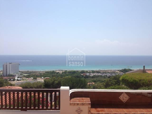 Apartamento con vistas al mar, ubicado en Son Bou, Menorca