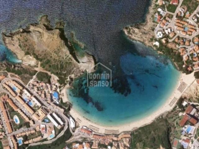En Arenal d´en Castell, Menorca, bonito apartamento situado muy cerca de la playa.