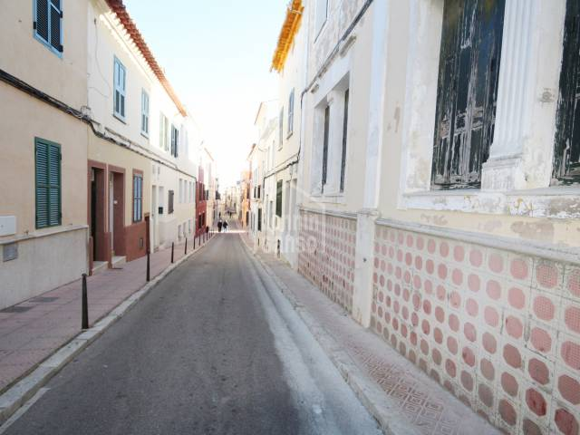 Terraced house in the center of Mahon