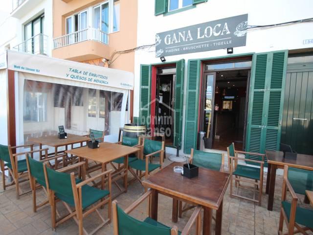 SE TRASPASA - Bar en el puerto de Mahón, Menorca