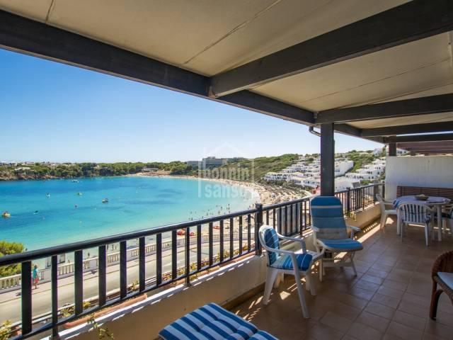 Vistas espectaculares sobre la playa de Arenal, Menorca
